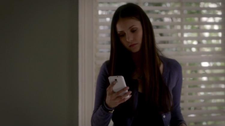 Elena-Gilbert-has-the-ATT-Samsung-Galaxy-S-II-Skyrocket-on-The-Vampire-Diaries-Before-Sunset-Season-3-Episode-21-1