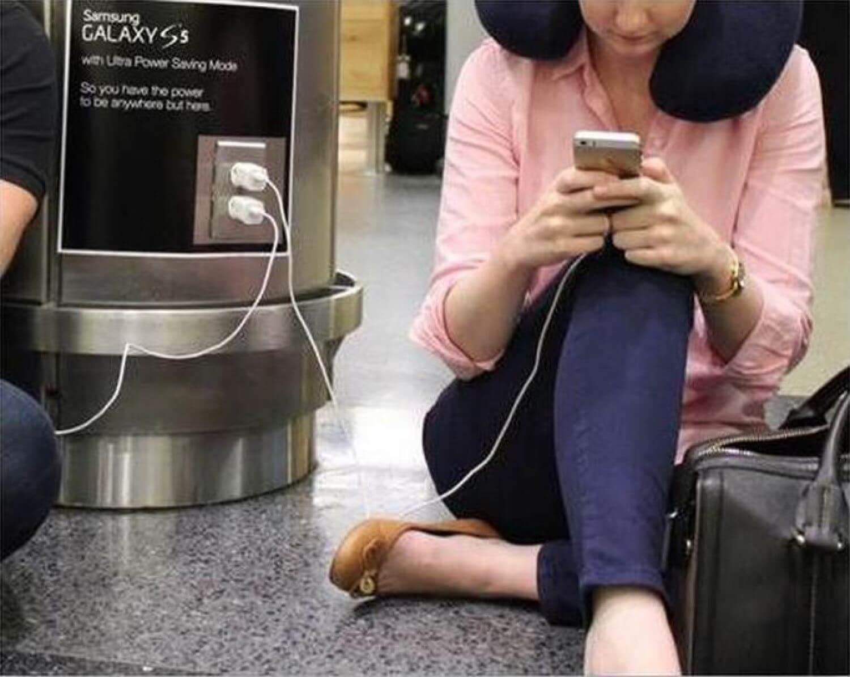 Реклама Galaxy S5 в аэропорту