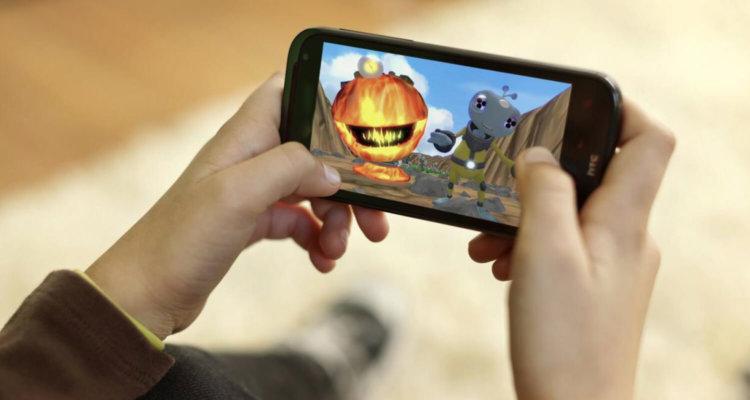 Игра на мобильном телефоне