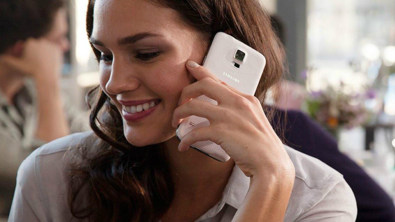 Картинки днем, девушка с мобильным телефоном картинки