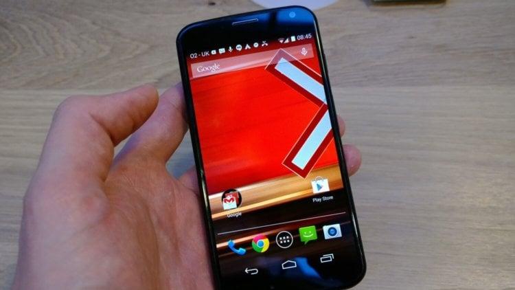 Смартфон Moto X с AMOLED экраном