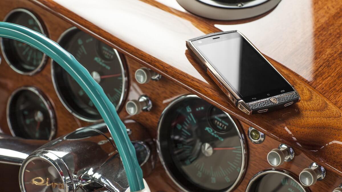 CES 2015: Как не нужно делать смартфоны: опыт Lamborghini