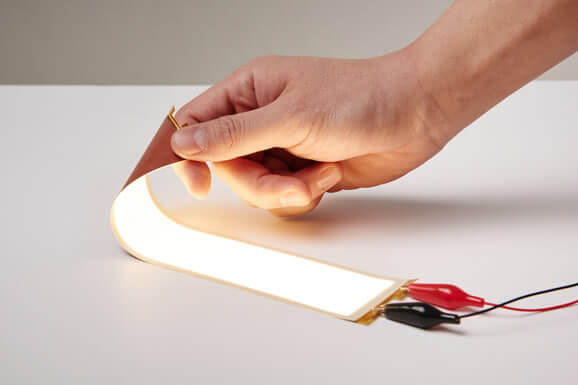 LG-Chem-Plastic-Based-Truly-Flexible-OLED-Light-Panel-