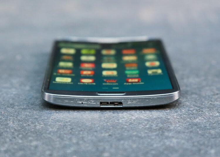 Samsung_Galaxy_Round_35828614_18