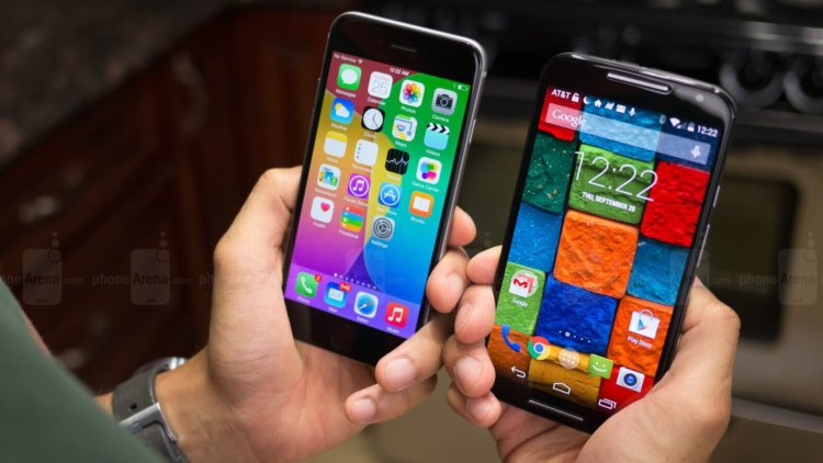 iphone 6 and moto x 2014