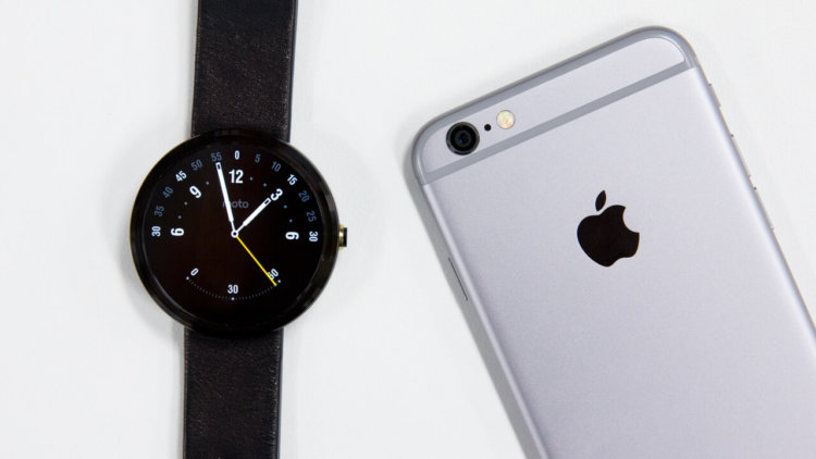 moto-360-and-iphone-6