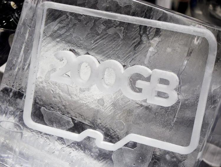200-гигабайтная карта памяти microSD