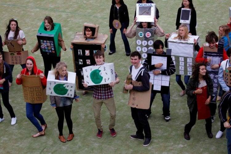 112970-1-most-people-dressed-as-mobile-phones-Caterham-School