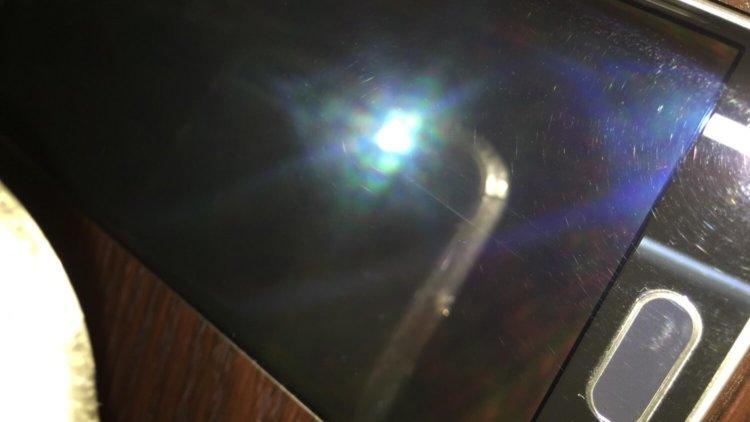 Поцарапанный Galaxy S6 Edge