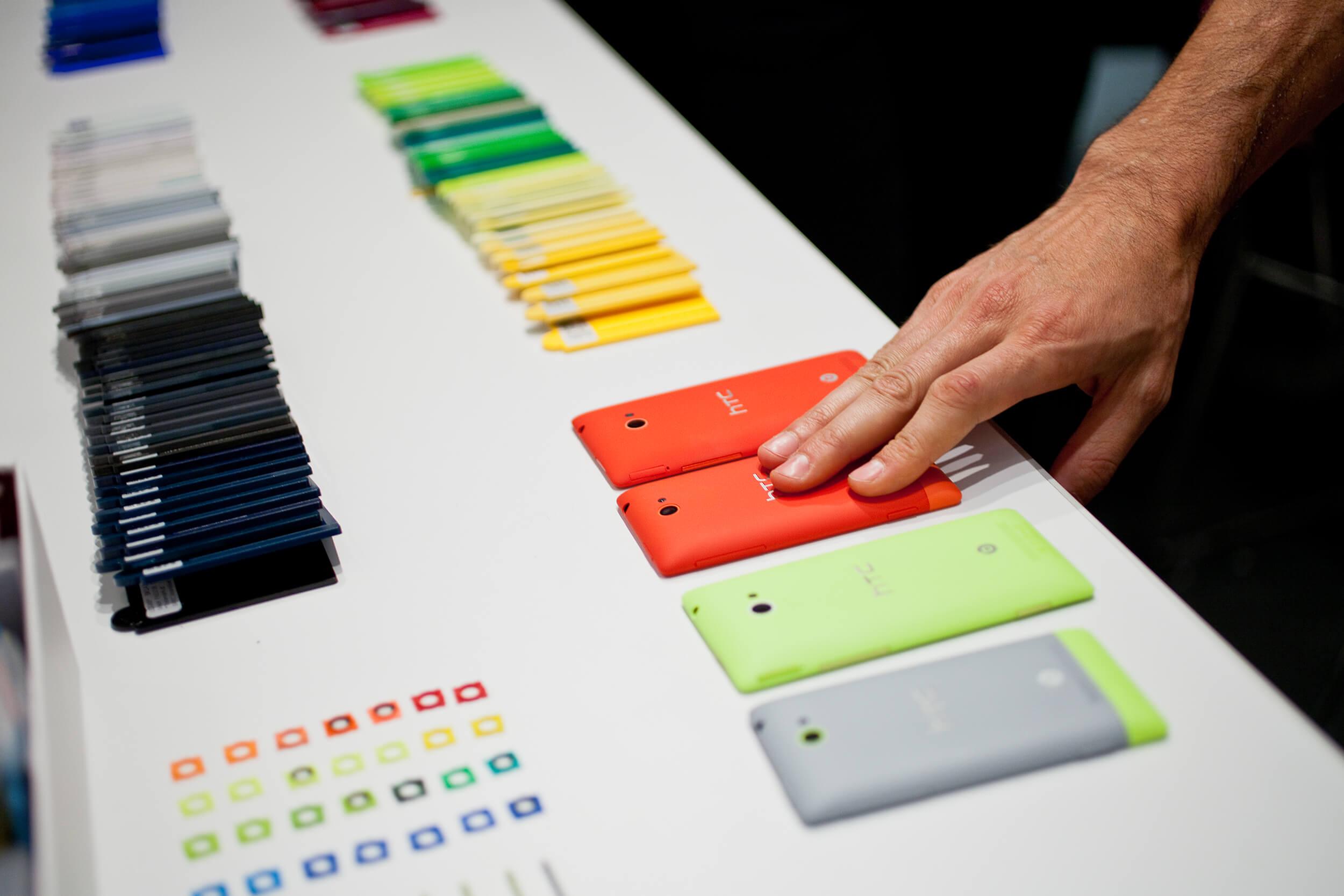 HTC никак не может расстаться с Microsoft и смартфонами на Windows