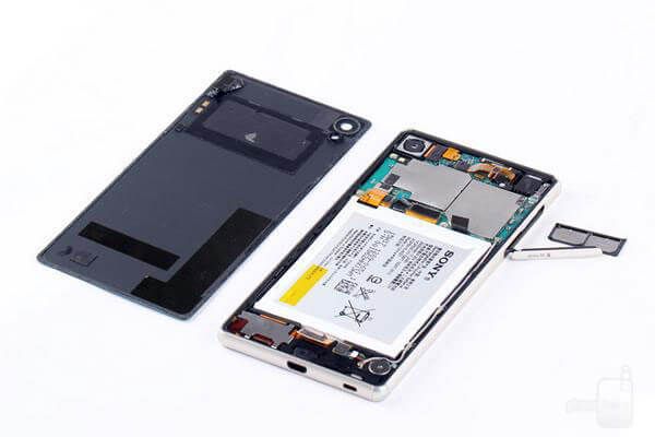 Sony-Xperia-Z3--Z4-teardown (2)