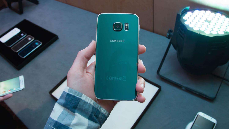 Поместится ли в вашей руке Galaxy Note 5 и S6 Edge Plus?