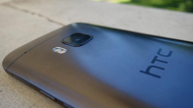 AH-HTC-One-M9-6