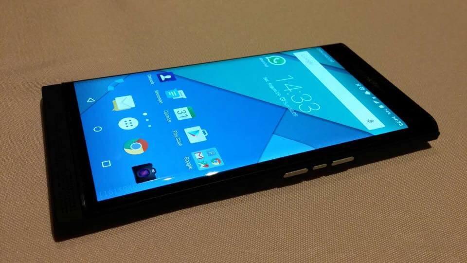 Слайдер с большим экраном и клавиатурой — смелый эксперимент BlackBerry