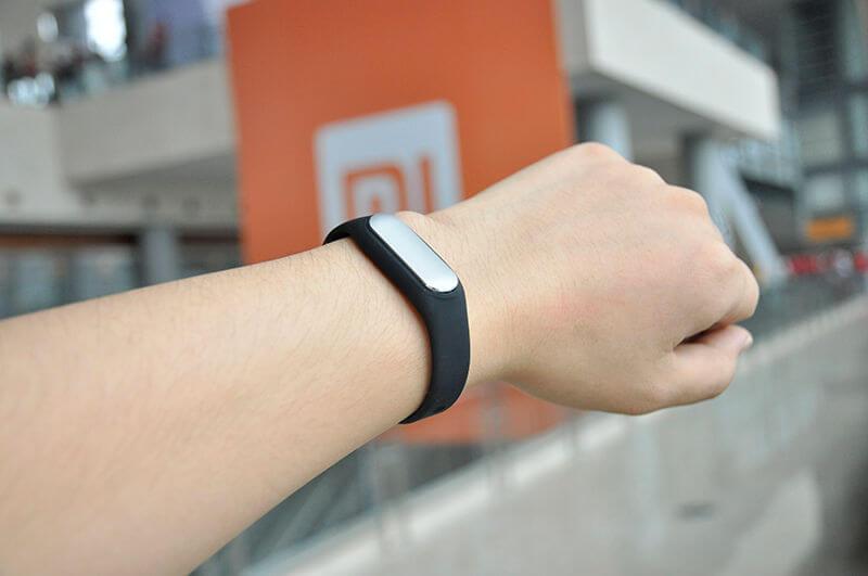24 ноября Xiaomi может показать часы на Android Wear