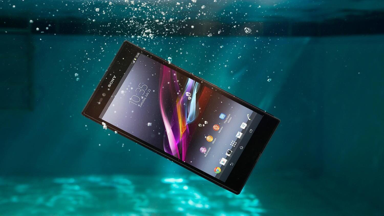 Sony Xperia в воде