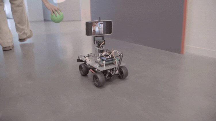 Машинка-робот под управлением Android