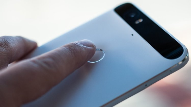 Компания Google представила мобильные телефоны Pixel иPixelXL