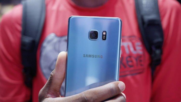Потребителей не смущает взрывоопасность Galaxy Note 7