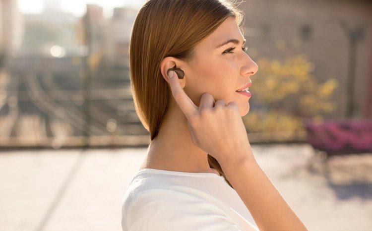 xperia-ear-just-say-what-you-need-desktop-tablet-mobile-72bb3649c4ea678852b8dac87e865e49