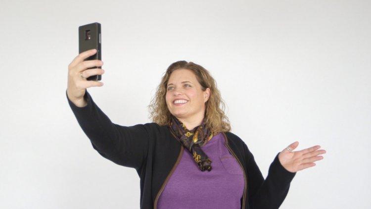 Как управлять смартфоном движениями головы?