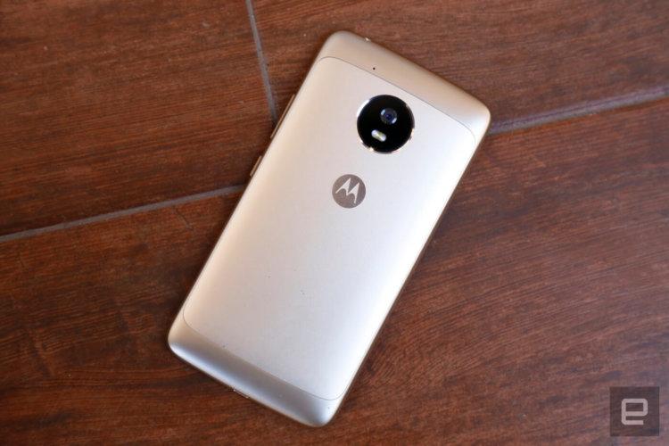 Lenovo представила на MWC 2017 алюминиевые Moto G5 и G5 Plus