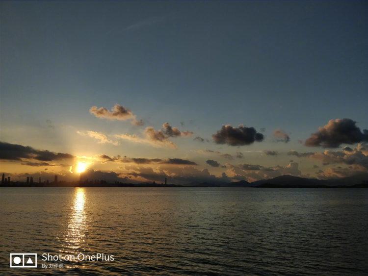 Фотографии закатов Солнца с OnePlus 5 от исполнительного директора компании