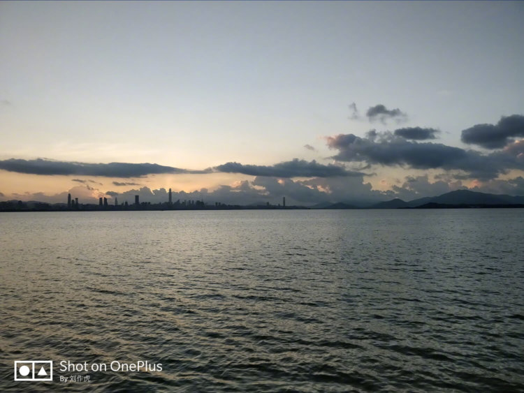 Фотографии закатов Солнца с OnePlus 5 от главы компании