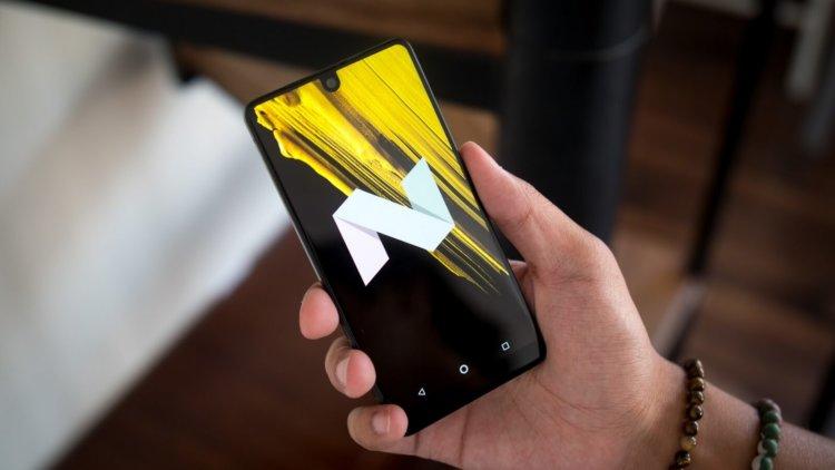 Essential Phone теперь можно купить за смешные деньги