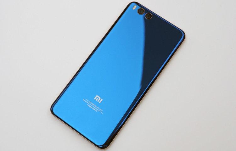 Xiaomi представила упрощенную версию популярного фаблета