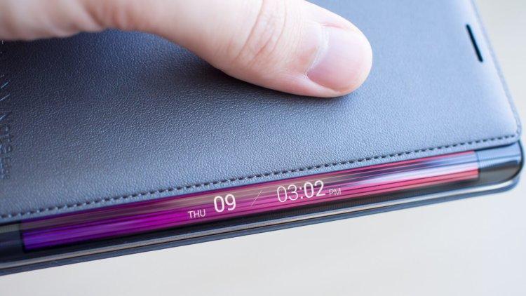Samsung намерена сделать чехлы для смартфонов по-настоящему полезными