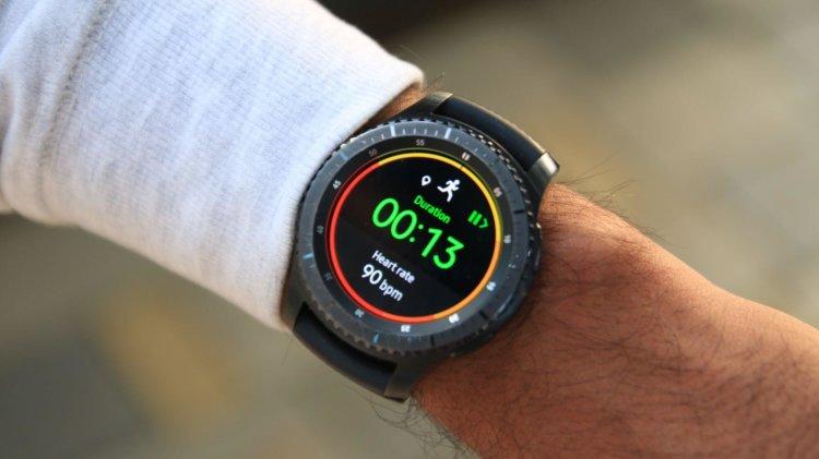 Samsung выпустила апдейт для Gear S3, продлевающий их работу до 40 дней