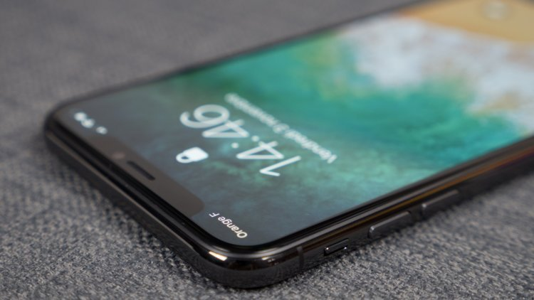 iPhone X и Galaxy Note 8 сравнили по основным параметрам работы