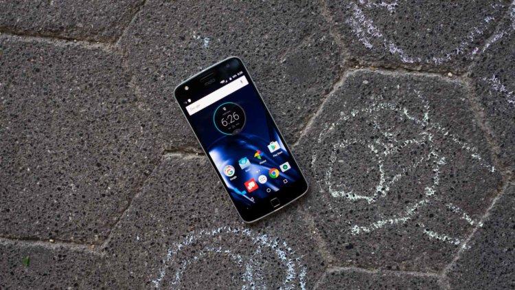 Motorola задела самолюбие Samsung в новой рекламе