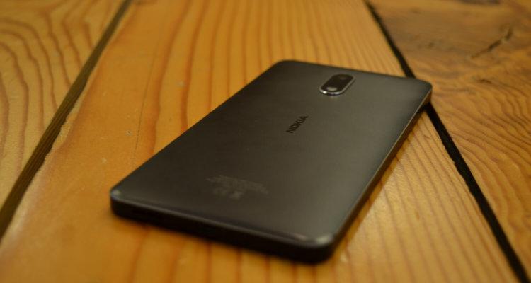 Nokia 7 Plus показался на «живом» фото