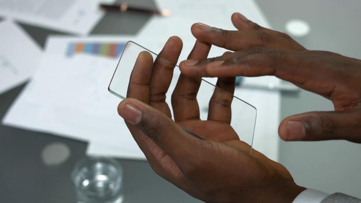 Как сделать смартфон «прозрачным»? Ответ Livecam Wallpaper