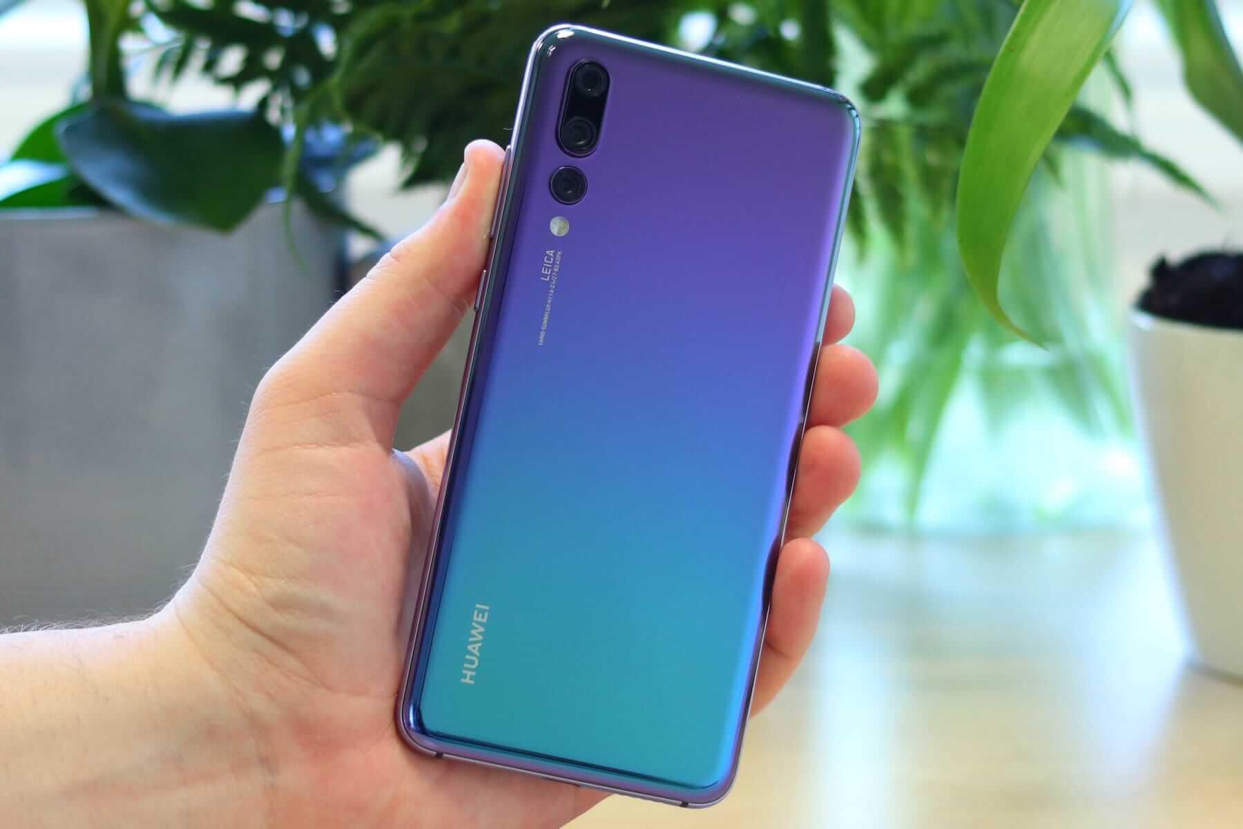 Samsung решила выпустить копию Huawei P20, но потом передумала