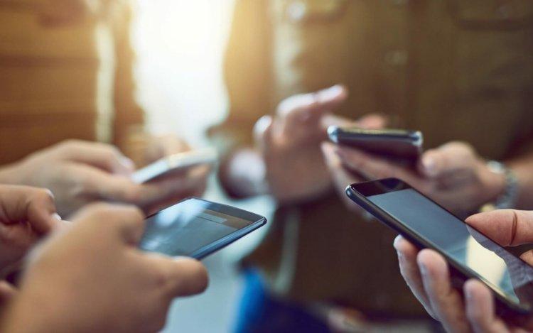 Какие смартфоны продавались в России лучше всего в 2018 году