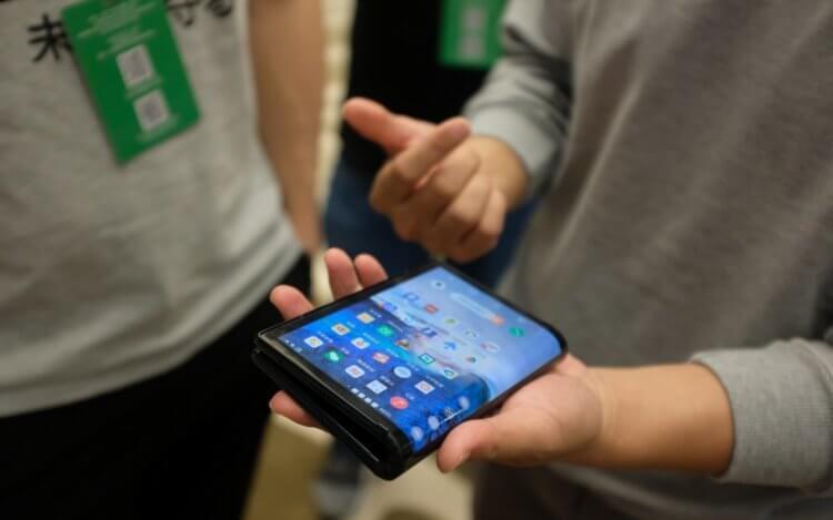 CES 2019: Samsung показала складной Galaxy F, но не всем