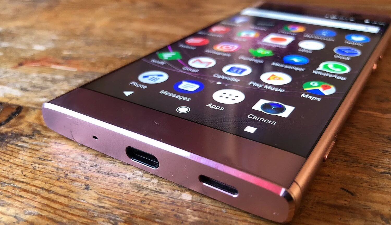 Смартфон Sony Xpera XA2