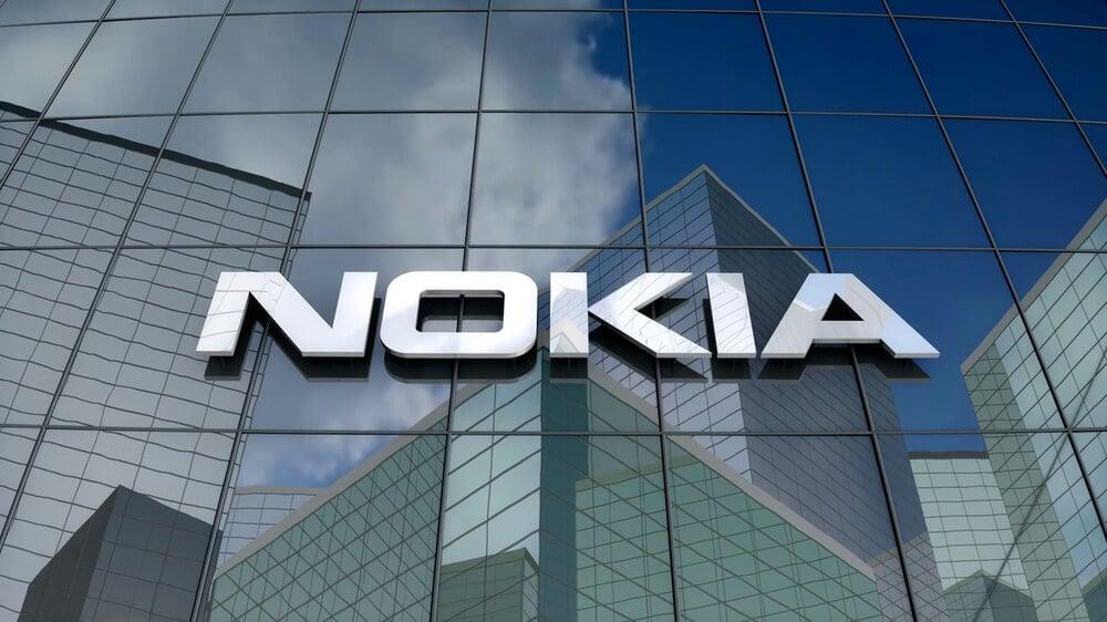 Nokia рассказала, как можно увеличить время работы батареи в два раза и не сделать смартфон больше