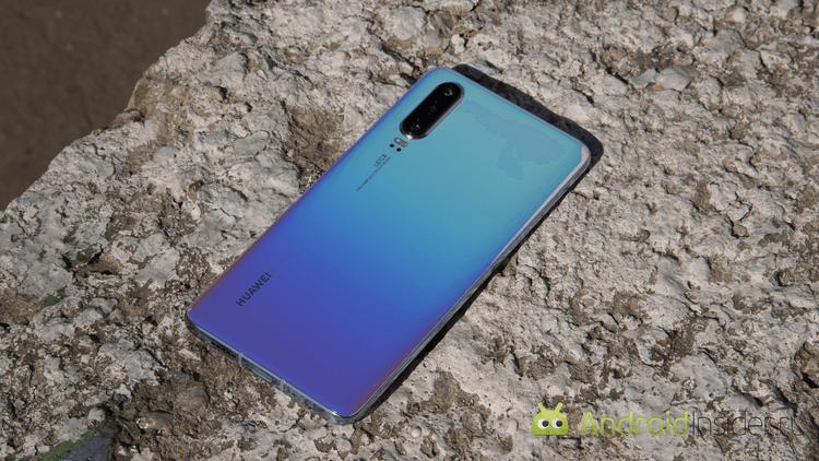 Началось? Некоторые смартфоны Huawei неожиданно отключили от Google Play