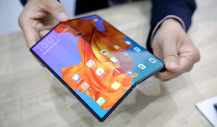 Huawei запретила использовать складной Mate X на холоде