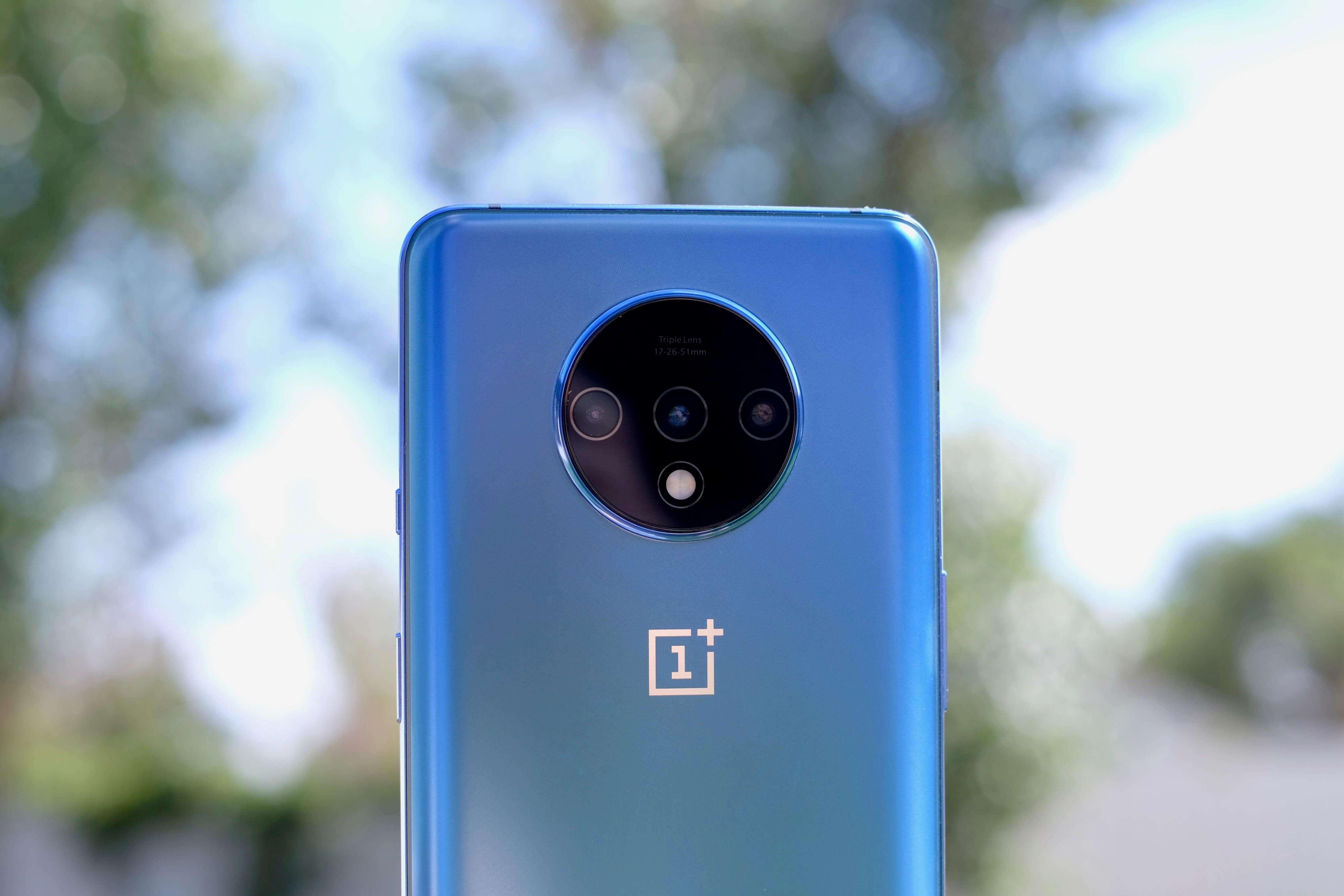OnePlus представит новую технологию дисплеев