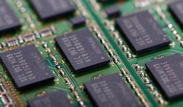 Сколько оперативной памяти нужно смартфону? Помогаем определиться.