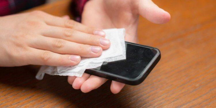 Чем дезинфицировать смартфон от коронавируса?