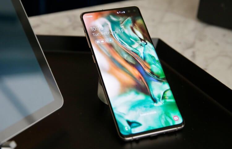 Пользователи массово жалуются на проблемы смартфонов Samsung