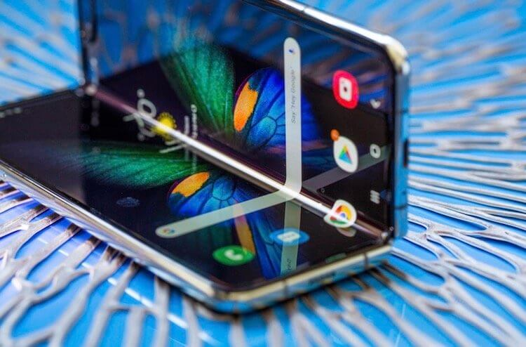 Samsung Galaxy Fold 2 может выйти уже 5 августа и стать водонепроницаемым