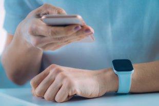 Смартфон и умные часы