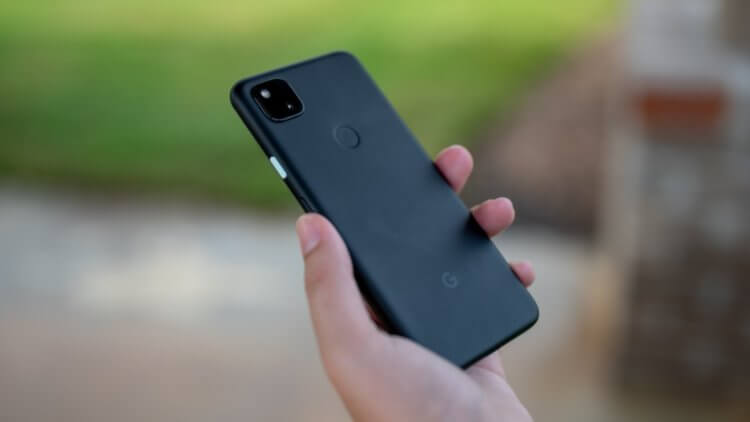 Я ненавижу пластиковые смартфоны, но это лучшее, что вы можете купить
